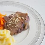 Lammkeule mit Kartoffel-Sellerie-Püree und Ingwerkarotten von Nummer Fünfzehn