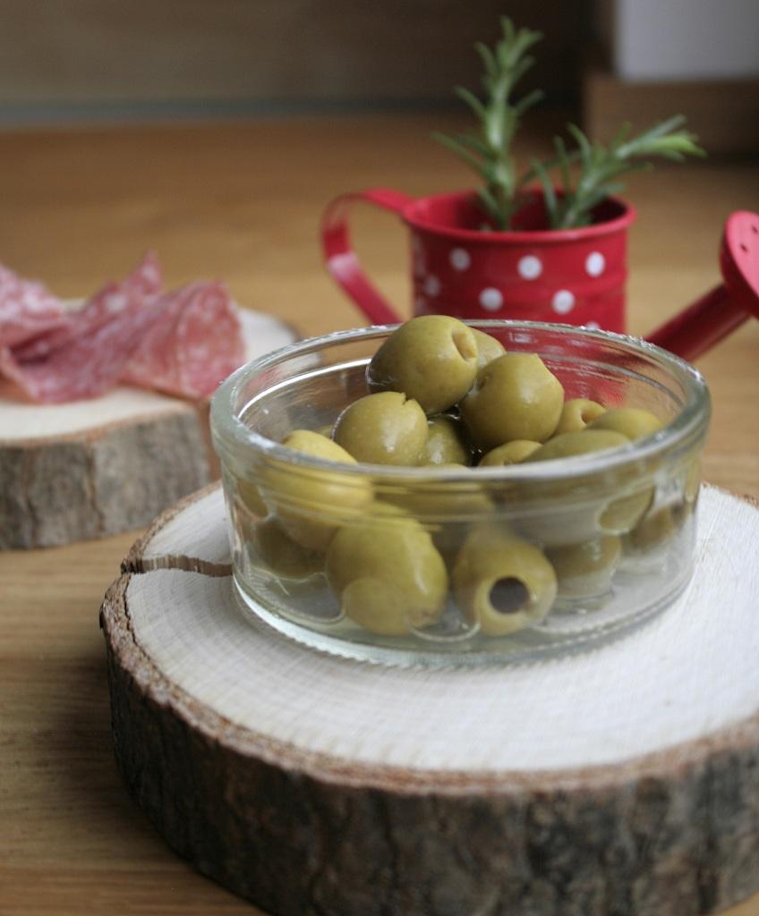 salami.oliven.zupfbrot.beilagen