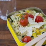 Lunch aus der LeckerBox: Ein mediterraner Reisnudel-Salat.